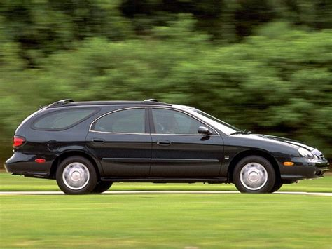 ford taurus se dr station wagon pictures
