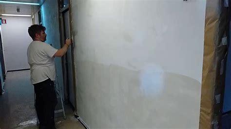 come rasare un soffitto come rasare un muro scrostato