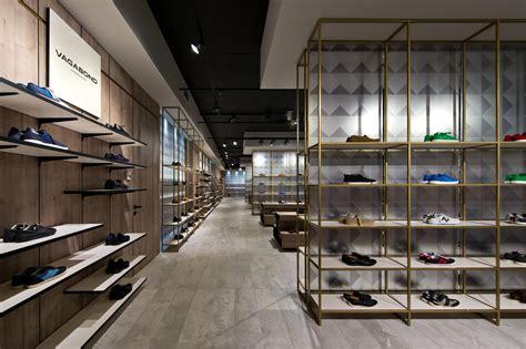 shoe gallery plazma architecture studio archdaily