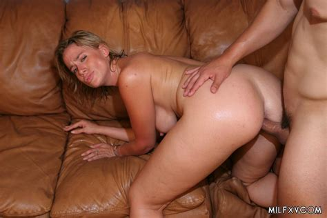 Milf Sucking And Swallowing Cum 2708 Page 3