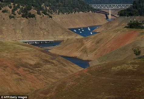 California Drought Leaves Houseboats In Dusty Field After