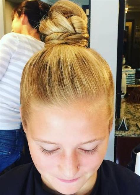 Twisted Knots Hairstyle by Best 35 Top Knot Bun Ideas On Therighthairstyles