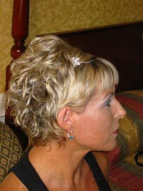 coiffure mariage cheveux courts frisés coiffure de mariage cheveux courts
