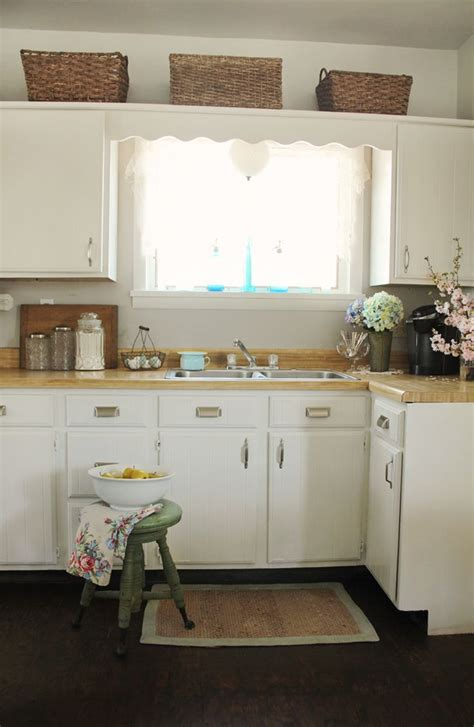 Repainting Kitchen Cupboards by 17 Best Ideas About Repainted Kitchen Cabinets On