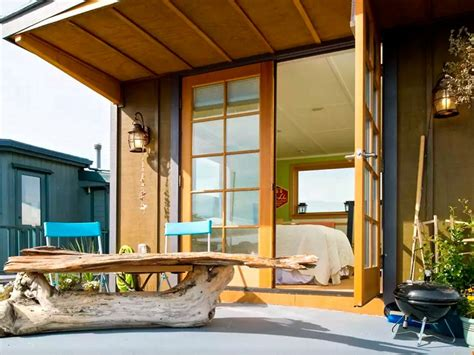 Airbnb Boats Bali by 15 Stylish Houseboats For Sale And For Rent Hgtv