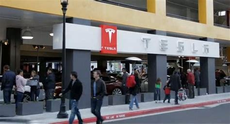 Bills Aimed At Making Tesla Dealerships Illegal In New