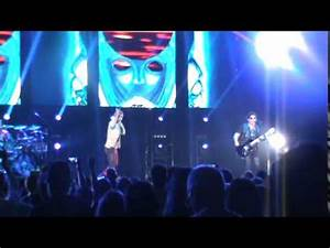 """Journey performs (Worlds Apart) """"Separate Ways"""" Live at ..."""