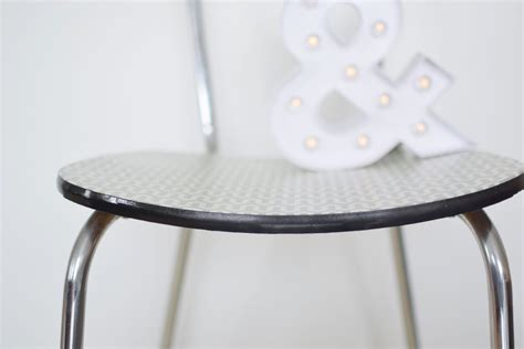 relooker une chaise diy relooker une chaise formica la vie en plus joli