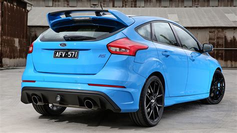 2017 Ford Focus Rs Review (video)