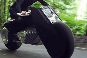 Moto Qui Roule Toute Seul : la moto du futur pour bmw se conduira sans casque ni v tements de protection l 39 usine auto ~ Medecine-chirurgie-esthetiques.com Avis de Voitures