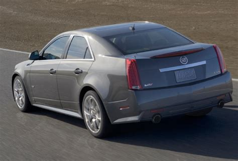 cadillac cts  sedan  torque news