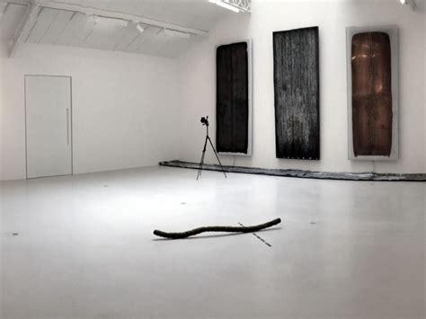 art gallery paris white concrete floors