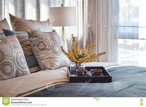 chambre de service intérieur de luxe de chambre à coucher avec le service à
