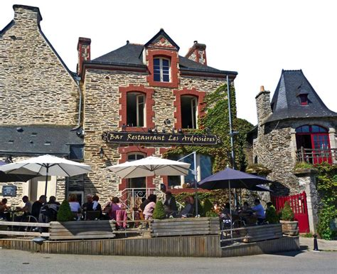 rochefort en terre les bretons en sont fiers le parisien