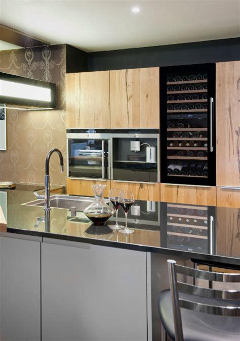 cuisine avec cave a vin avintage électroménager equipement pour votre cuisine