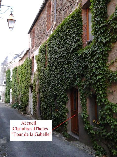 chambres d hotes tours chambres d 39 hôtes tour de la gabelle mauges sur loire