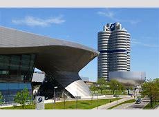 FileBMW Welt y 4 cilindros, Múnich, Alemania 20120428