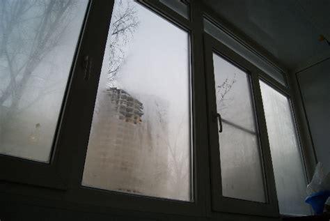 Как предотвратить запотевание пластиковых окон. Чем обработать пластиковые окна от запотевания . Строительный портал