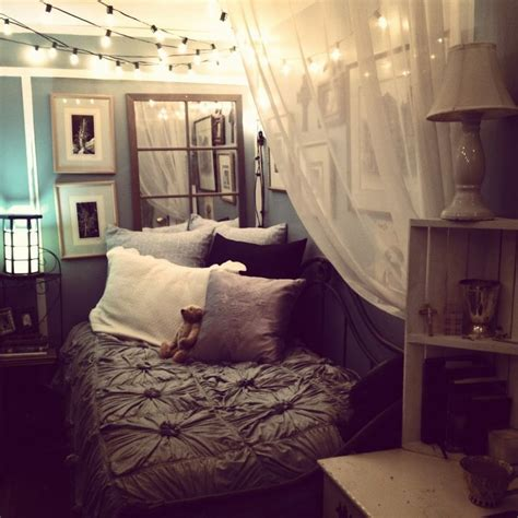 cozying   small bedroom  tumblr cute ideas