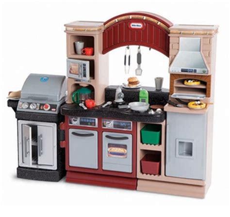tikes brick oven pizza kitchen
