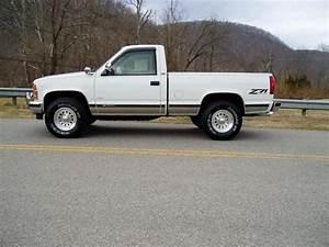 Garage Chevrolet Rouen : sell used 1993 chevrolet silverado z71 4x4 garage kept must see truck in shawsville ~ Gottalentnigeria.com Avis de Voitures