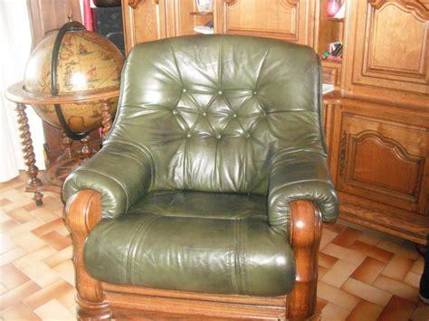 canaper but troc echange canaper cuir ses 2 fauteuilles en chene