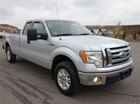 buy  ford   xlt package wd  extended cab long