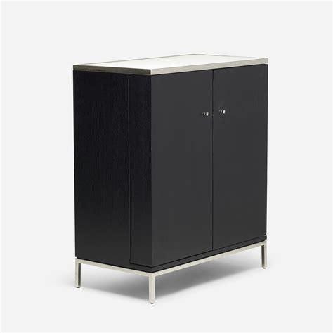587 Modern, Bar Cabinet