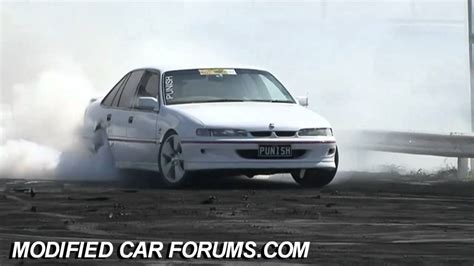 VR SS Commodore PUNISH burnout at Performance Car Mania ...