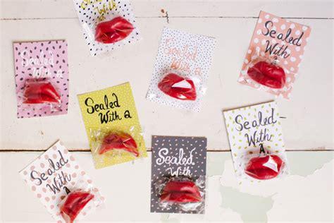 wax lips valentines  printable