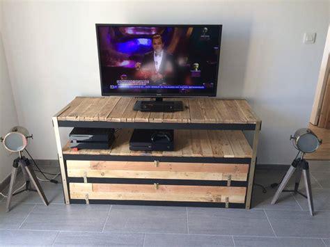 bureau ikea noir un meuble télé industriel à petit prix bidouilles ikea