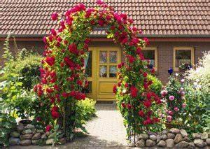 Rosen Für Rosenbogen : rosenbogen aufstellen 2 tipps ~ Orissabook.com Haus und Dekorationen