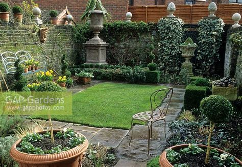 Gap Gardens  Small Formal Urban Garden In London Image