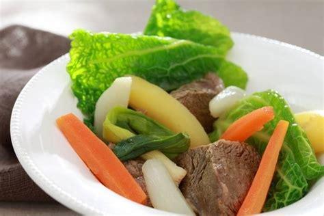 quels legumes pour pot au feu paleron de boeuf en pot au feu de l 233 gumes recette de paleron de boeuf en pot au feu de l 233 gumes