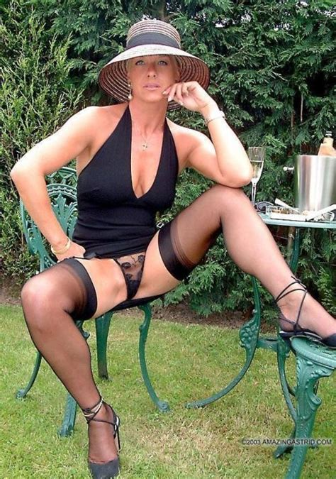 Hotwives And Milf Are So Sexy I Love It When You Dress Very Classy But Very