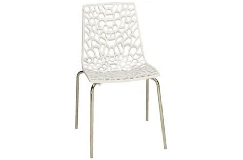 chaises blanches pas cher chaise design blanche traviata chaise design pas cher