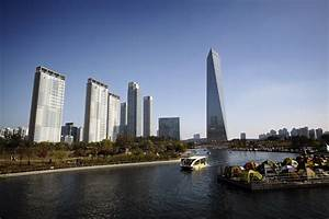 File:Songdo's central park and the NEATT, Incheon, South ...