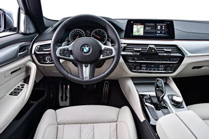 bmw  touring reviews  drives  cars