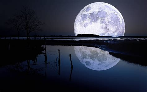 Full Moon Wallpaper Pics Moon On The Water Beautiful