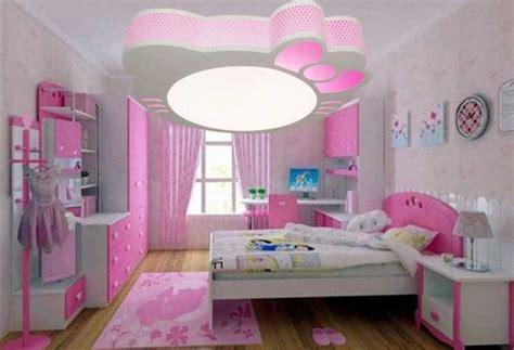 plafonnier chambre fille installation avec idée papier