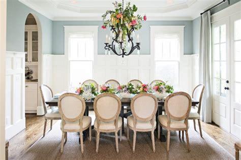 lustre chambre enfants une magnifique déco de table fleurie pour pâques