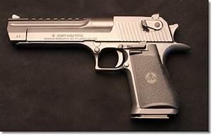 Shooting the Desert Eagle .44 Magnum - GunsAmerica Digest