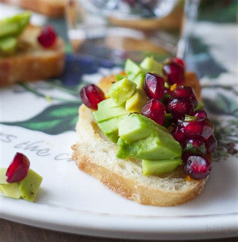 red and green bruschetta easy holiday appetizer