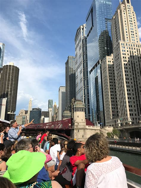 Chicago Architecture Boat Tour by Family Friendly Architecture Boat Tour On The Chicago River