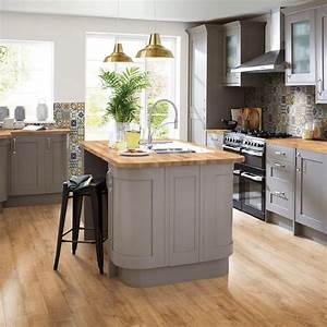 Kitchen trends 2018 stunning and surprising new looks for Kitchen cabinet trends 2018 combined with beach inspired wall art