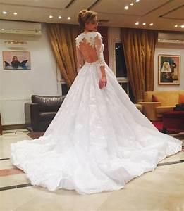 Robe de mariee avec dentelle dans le dos idees et d for Robe de mariée dentelle dos