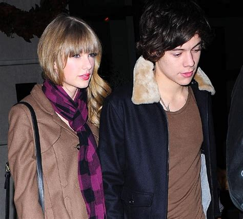 Harry Styles and Taylor Swift share a New Year's Eve kiss ...