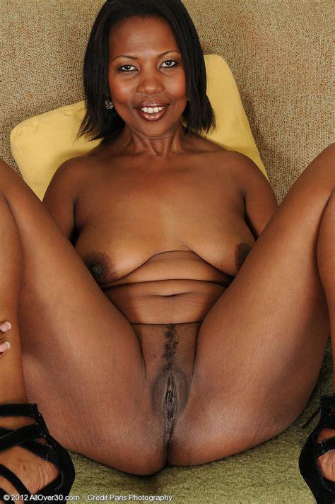 Ebony Milf Sapphire Flick Her Yummy Clam Milf Fox