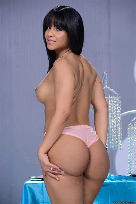 Juicy Latina Getting Her Bubble Butt Exposed Photos Rose