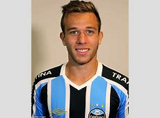 Manchester United keeping tabs on Gremio's Arthur Melo